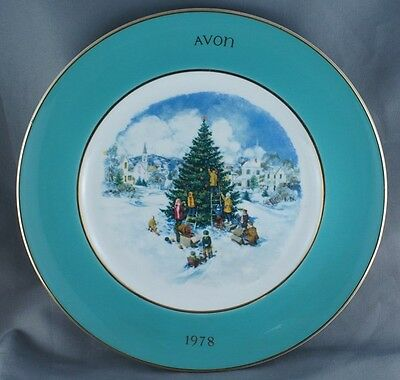 Avon Christmas Trimming the Tree Collector Plate 1978 Wedgwood