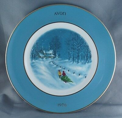 Avon Christmas Bringing Home The Tree Collector Plate 1976 Wedgwood