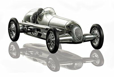 G642: Mercedes Silver Arrow W25 Model Race Car, Spindizzy Model Car