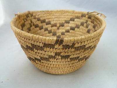 "Native American Weave Sm Basket Bowl. Very Nice Design. Approx 3.5"" T & 5.5"" L"