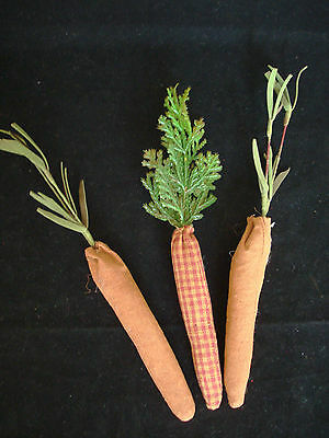 Small Primitive Style Fabric Carrots ~ Homespun Easter Vegetable AF-7307 NEW