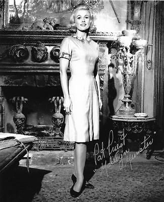 Pat Priest Marilyn Munster B&W 8X10 Photo Great Autograph Signed