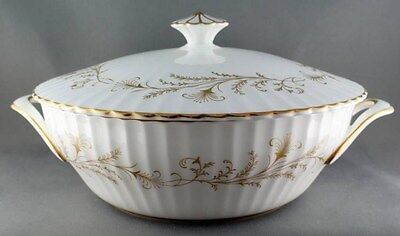 Paragon Lafayette Covered Vegetable Bowl Casserole