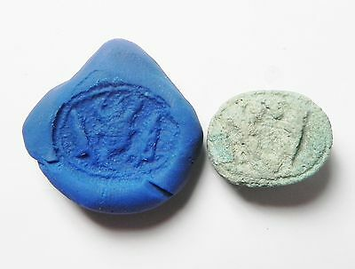 Zurqieh -Af324- Ancient Egypt , New Kingdom Faience Scarab. 1400 B.c