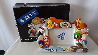 Warner Brothers 1999 Foghorn Leghorn and Gossamer Picture Frame MIIB H496