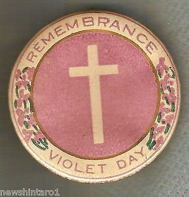 #f. Tin Badge - Remembrance, Violet Day