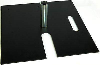 Steel base plate with slot 500*500*8mm with 45mm dia spigot NEW