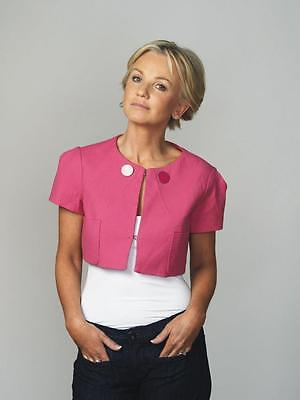 Lisa Maxwell A4 Photo 6