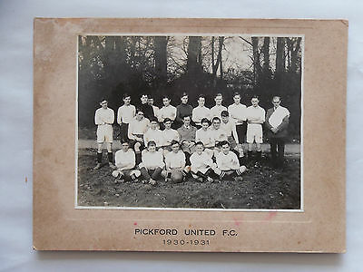1931 B/W Photograph. PICKFORD UNITED F.C 1930-31. Rare Social History/ Football