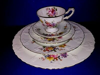 5 Piece Place Setting (s) Royal Crown Derby England Posies Bone China Excellent