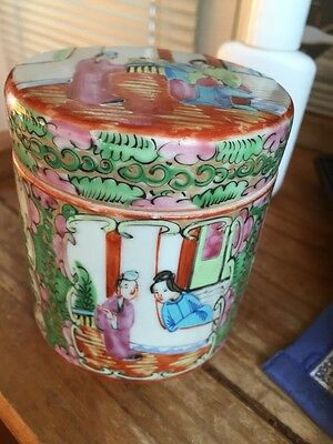 Chinese Export Porcelain Rose Medallion Covered Dressing Cosmetic Jar