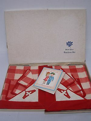 VINTAGE RED & WHITE LINEN CHECK TABLECLOTH w 6 MATCHING NAPKINS MINT IN BOX!