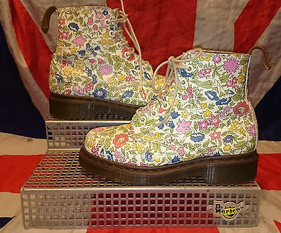 Rare Liberty London*Girls Floral Dr Doc Martens*White Ditzy Flowers*Childrens*2