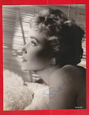 Film star, Theatre, Sylvia Syms, signed photo, Autograph.