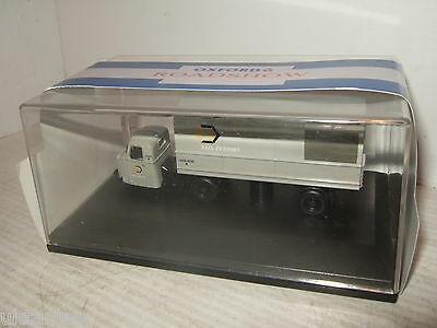 Oxford Diecast 76RAB003 Scammell Scarab Van Trailer Rail Freight in 1:76 Scale
