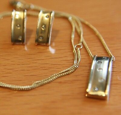 """Secondhand 9ct Yellow Gold """"Hot Diamonds"""" Set Of Earrings, Pendant & Chain."""