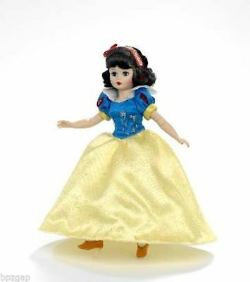 "Madame Alexander Disney Showcase Snow White 10"" Doll #66730"