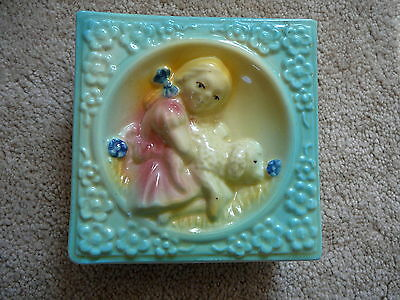 SHAWNEE ART POTTERY - Vintage MARY HAD A LITTLE LAMB WALL POCKET #586 - EUC