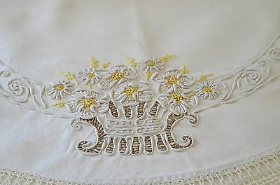 Vintage Linen Arts & Crafts Table Round W/coronation Cord Embroidery Rr731
