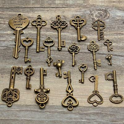 19 Assorted Antique Vintage VTG Old Look Skeleton Keys Bronze Steampunk Pendants