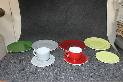 Vintage Moderntone Platonite Childrens Dishes 4 Dinner Plates 3 Saucers 2 Cups