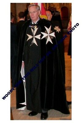 mm701 - Duke of Gloucester in Garter Knight cloak - Royalty photo 6x4""
