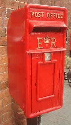 Replica Royal Mail ER Red Postbox Letter Box - Cast Iron - Lockable with Keys