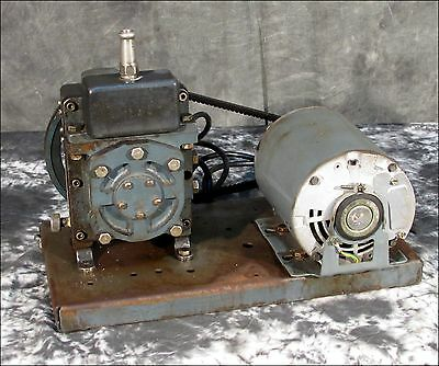 Welch 1400 Duoseal Vacuum Pump With 1/4 Hp Motor