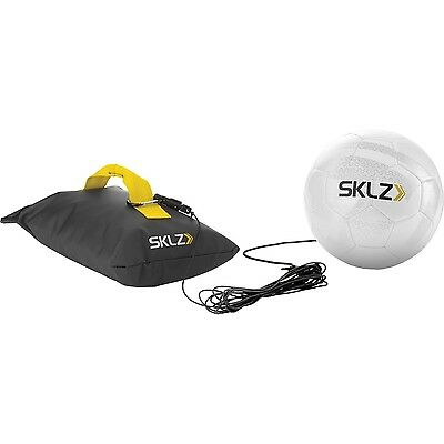 SKLZ BMTR-001 Strike und Pass Fußball Trainer Kick Back Size 5 black/yellow