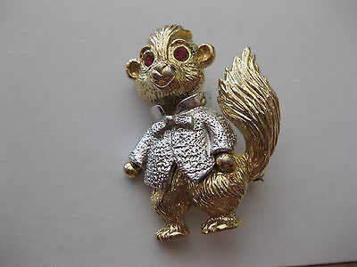 Alvin The Chipmunk In A Tuxedo  Brooch Gold Tone   Pin