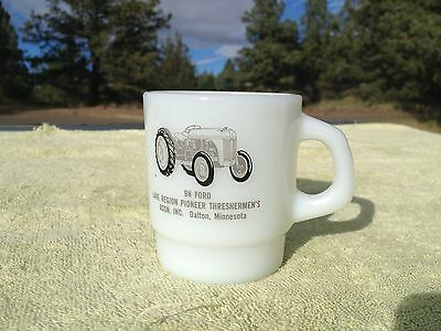 Ford 9N Tractor MilkGlass Coffe Mug 1989 Pioneer Threshing Show Dalton Minnesota