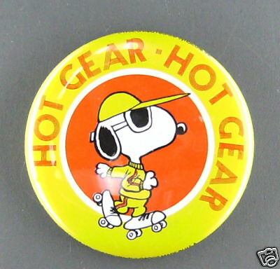 Snoopy hot gear vintage button  pin peanuts