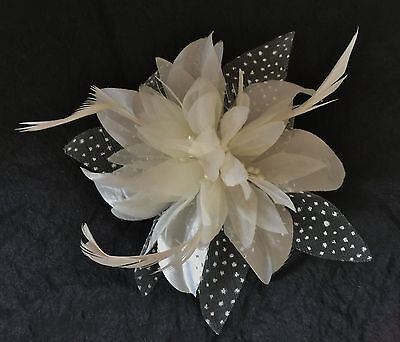 Womens/Girls Cream Hair Flower feather Fascinator On Comb Weddings Races Proms