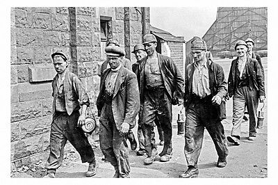 pt6156 - Armthorpe Colliery , Miners , Yorkshire - photo 6x4
