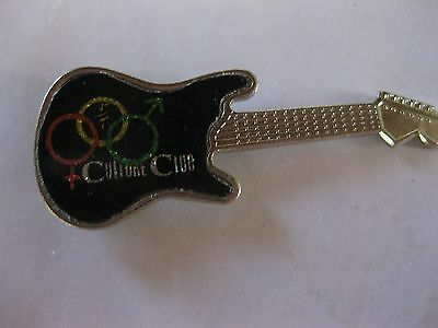 RARE VINTAGE Culture Club ( BOY GEORGE ) Guitar Shaped Pin CONDITION NEW