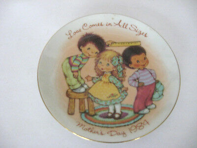 "Mothers Day 1984 5"" Avon Collector's Plate - Love Comes In All Sizes"