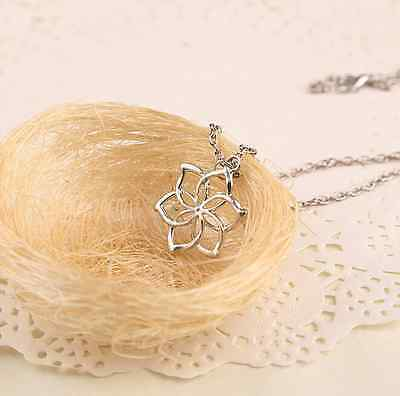 Fashion galadriel queen lord of the rings elves hobbit flower classic queen hobbit lord of the rings elves galadriel flower pendant necklace aloadofball Images