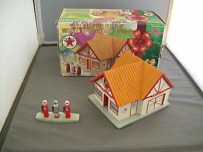 1998 Limited Edition Texaco Town Filling Station--Ceramic--4th In A Series