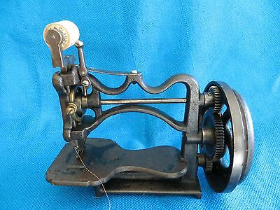 1860s  RARE ANTIQUE SHAW NEW ENGLAND  SEWING MACHINE