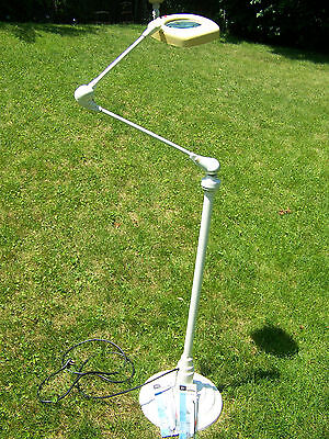 Art Specialty Co. Magnifying Lamp Floating Articulating Arm Dazor FLORESCENT