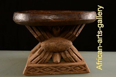 56654 Stool of the Bamun Cameroon / Cameroon Africa