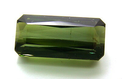 Echter facettierter achteckiger Turmalin ( 8,17 Carat ) 16,5 x 8 mm  in Box