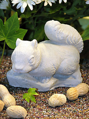 "BABY SQUIRREL 5"" Garden CEMENT STATUE Home Yard Decor Made in USA"