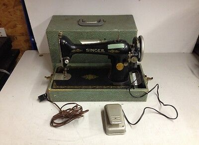 Vintage Singer AC653534 Sewing Machine w/ Case For Parts