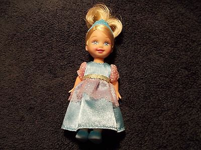 Mattel Kelly Doll Princess Island Dressed With Magnetic Feet #1