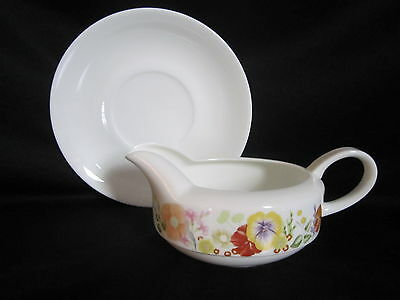 Wedgwood - SUMMER BOUQUET - Gravy Boat & Stand
