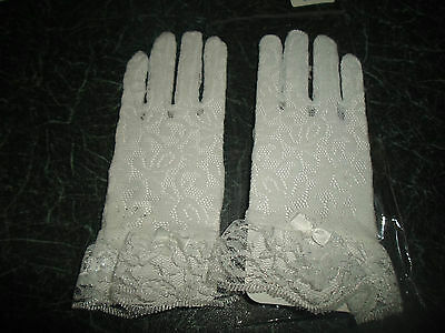 GORGEOUS SUPERB Small Soft White Lacy Gloves - UNUSED - Suitable For Young Girl