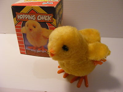 Vintage Wind-up duck chicken toy easter  HOPPING CHICK made in hong kong