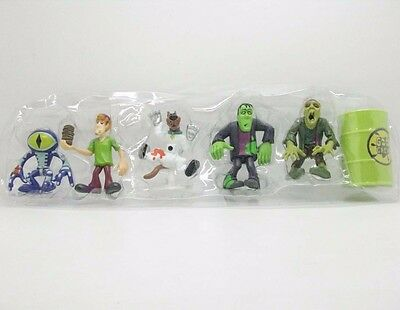 Dracula Scoobydoo Mystery Minis 5 Figure Pack Scooby Daphne and Shaggy