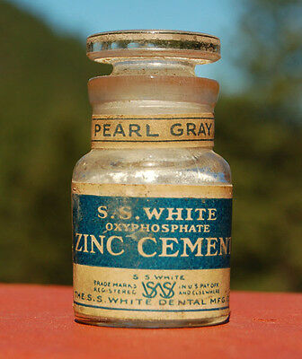 Antique OXYPHOSPHATE zinc DENTIST CEMENT bottle S S WHITE DENTAL Co. w/STOPPER